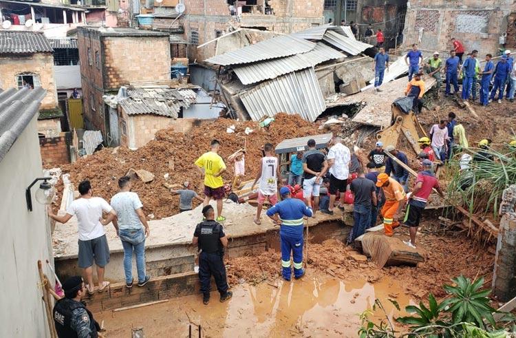 Chuvas em Minas Gerais e no Espírito Santo já mataram 39 pessoas