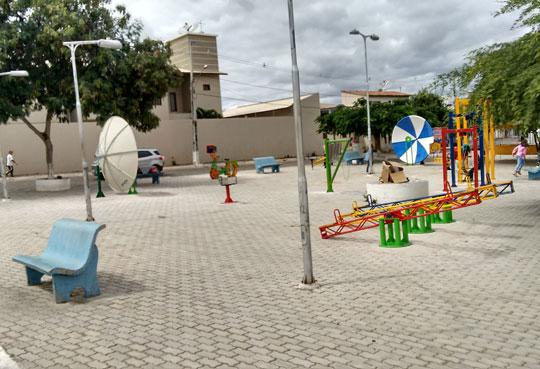 Brumado  Equipamentos da Praça da Ciência são instalados 088372a254f