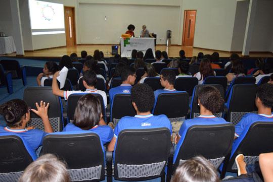 959309bf8 Grêmio estudantil promove debate sobre a PEC com alunos do Ifba em Brumado